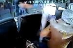 Kadın gazeteci otobüste tacize uğradı!
