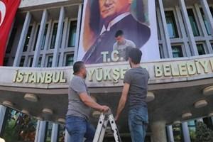 İBB'den Atatürk Portresi ve T.C. açıklaması