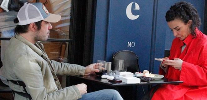 Fatma Turgut ve Can Baydar arka sokaklarda görüntülendi