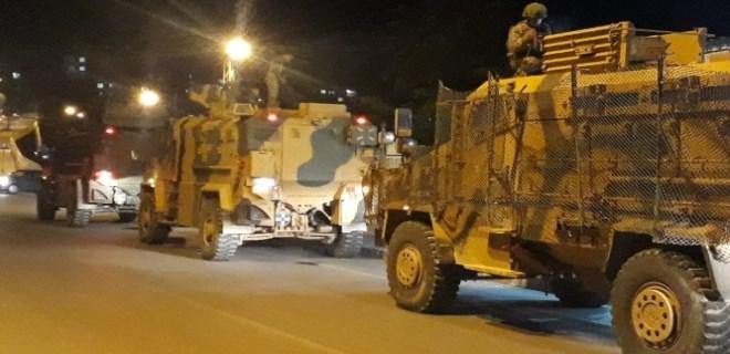 Sınıra komando ve askeri araç sevkiyatı