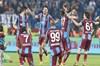 Bordo-mavililer evindeki son lig maçında Novak ve Yusuf Yazıcı'nın golleriyle sevindi. Güçlü...