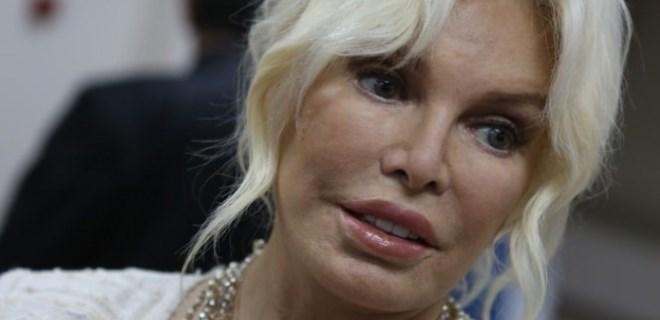 Ajda Pekkan 'altın su' uygulamasına başvurdu