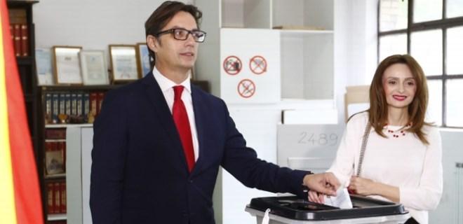 Kuzey Makedonya Pendarovski'yi seçti