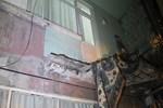 Beyoğlu'nda bir evin balkonu çöktü